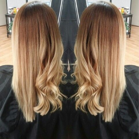 Solid ombre straight vs. curly #sombre #ombre #balayage follow me on instagram…