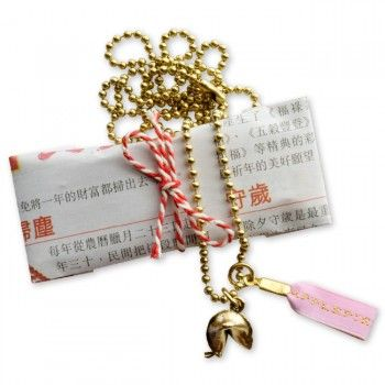 #evergreen Fortunately necklace with gold plated fortune cookie €19,50