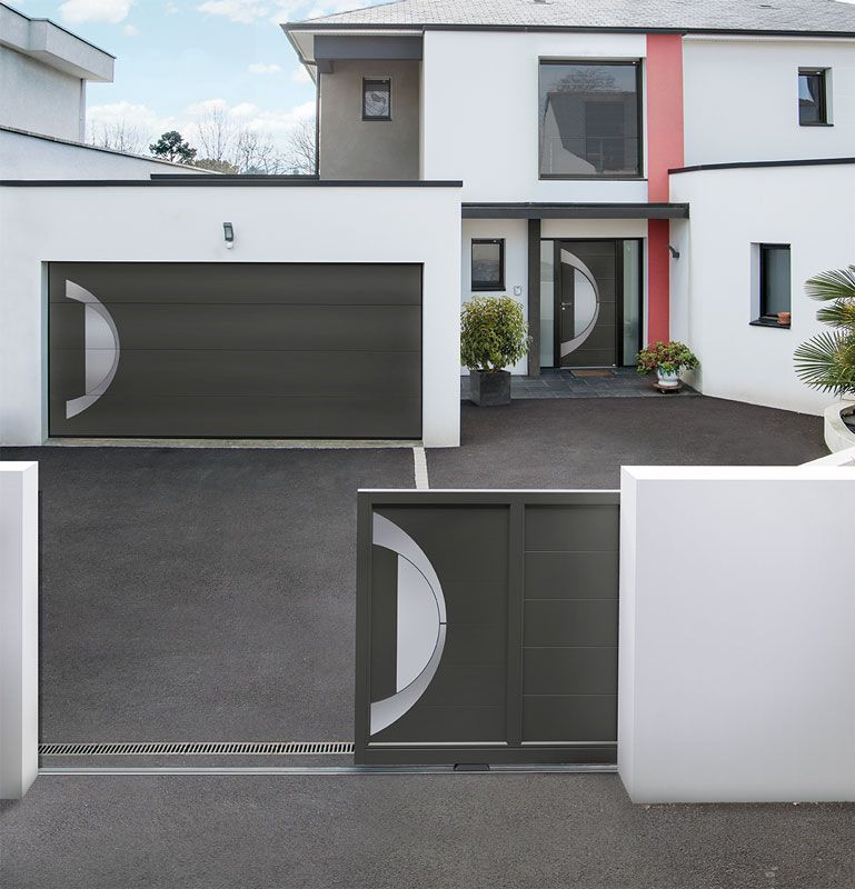 Porte d 39 entr e aluminium contemporaine altantide 15 avec son portail et sa porte gate for Porte entree alu contemporaine