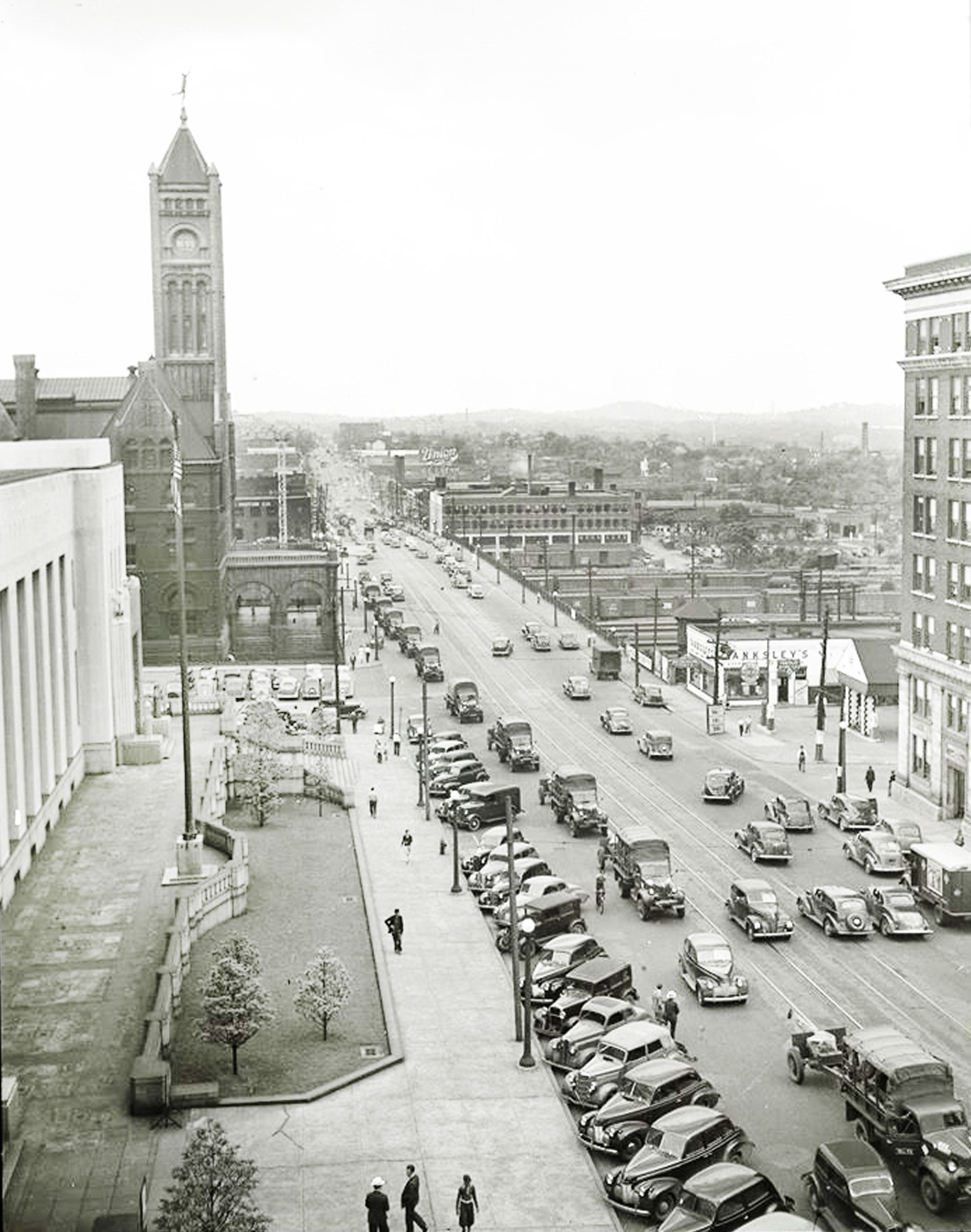 June 1st 1940 Broadway Ave Looking West Around 9th Avenue Building To The Left Bottom Is The Current Frist Music City Nashville Nashville Nashville Tennessee