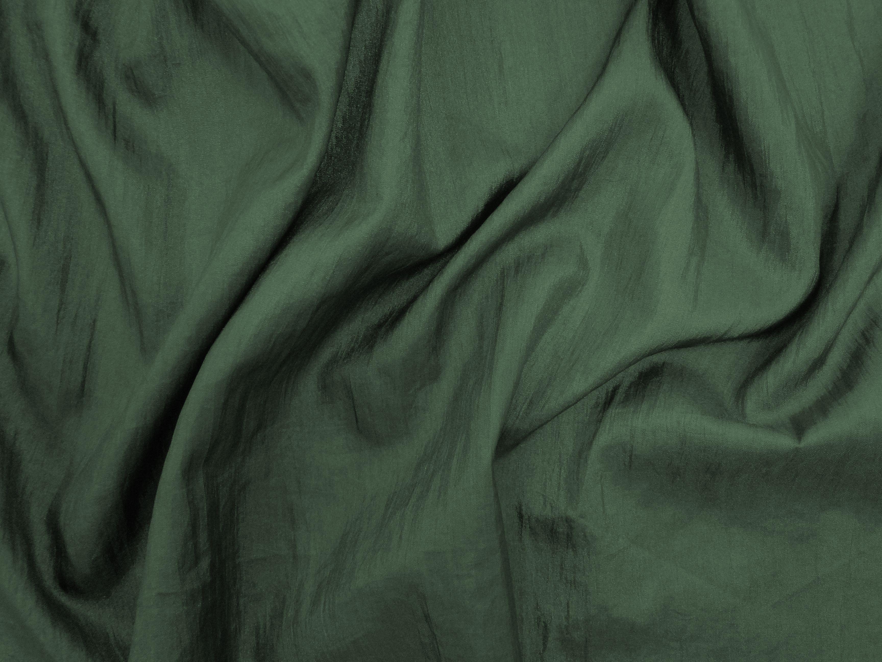 Hightech (Safari). Tecido leve, com brilho acetinado, superfície com suave efeito de amassado. Ideal para looks festa.  Sugestão para confeccionar: vestidos de festa, saias, blusas, entre outros.