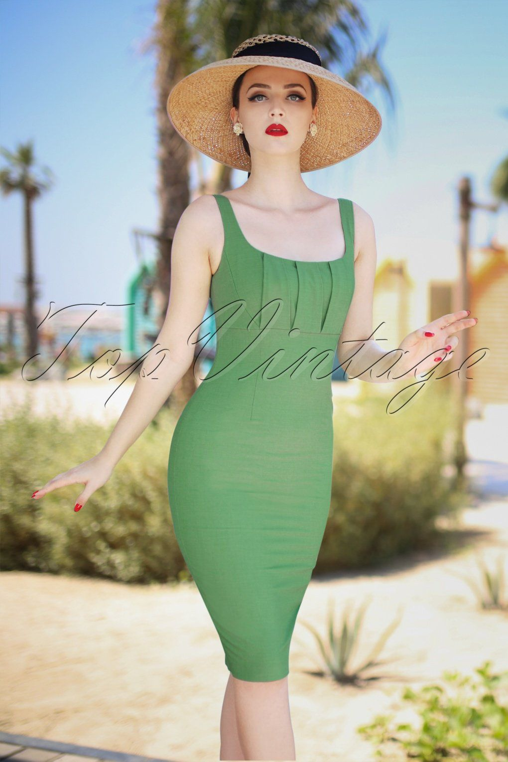 48f7bdde2bb021 It will be a summer full of allure in the new Vintage Diva collection from  TopVintage owner Angelique! You re a real  La Dolce Vita Diva  and that  really ...