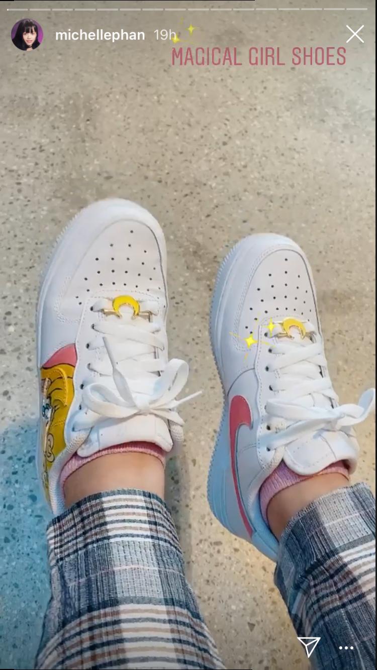 Revelar Queja Relativo  Custom Sailor Moon Nike Air Force 1   Sailor moon outfit, Moon shoes, Air  force one shoes