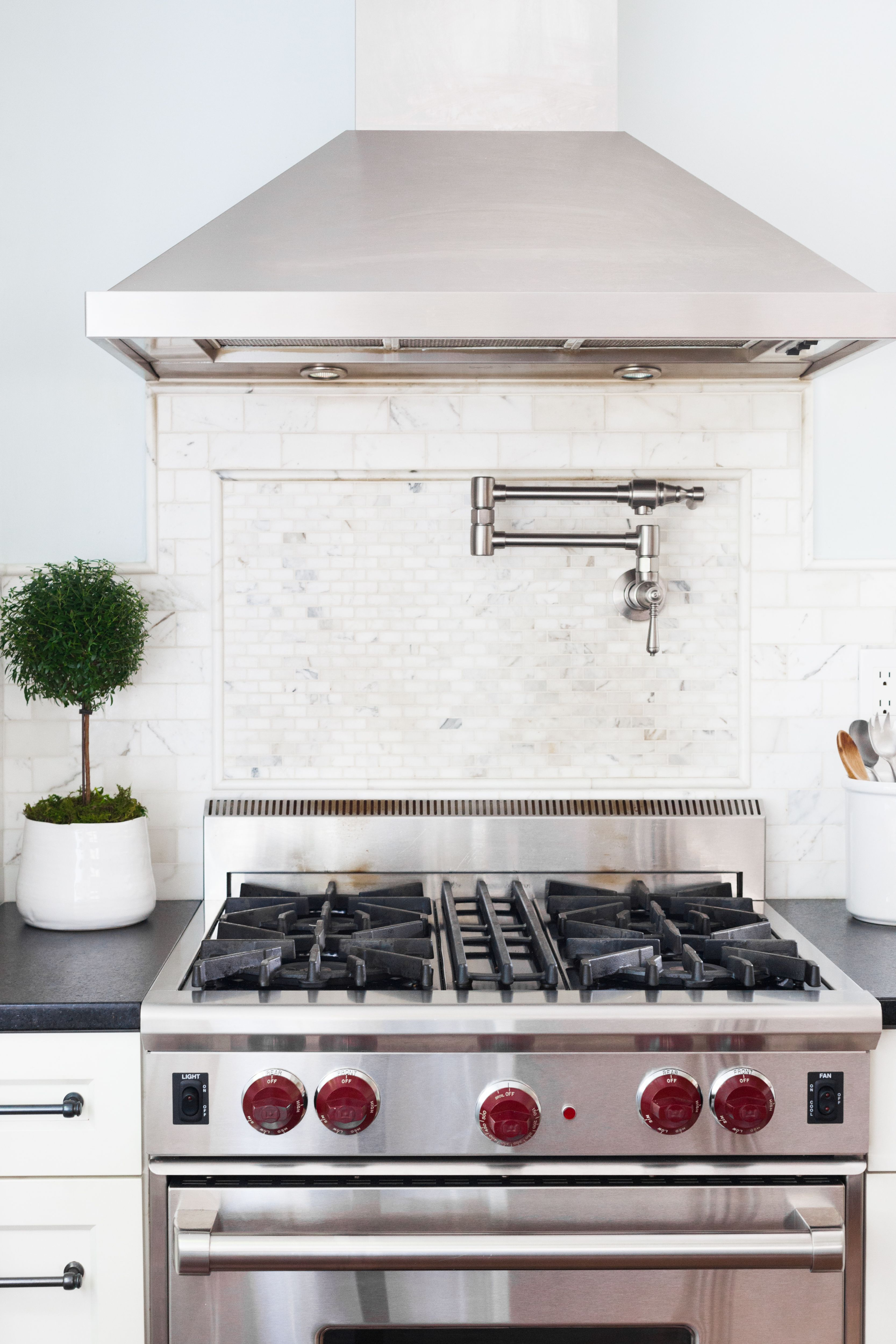 We Love Working With Seattle Designer Christy Yaden And Watching Her Create Inviting And Timeless Spaces European Tiles Tile Design Design
