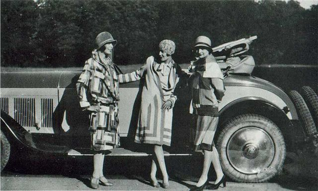 Sonia Delaunay garments in 1920s