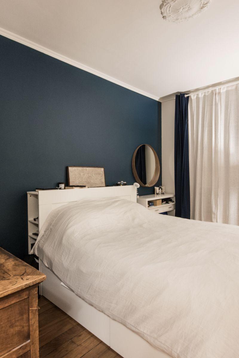 Chambre Parentale Classique Moderne Mur Bleu Marine En 2020