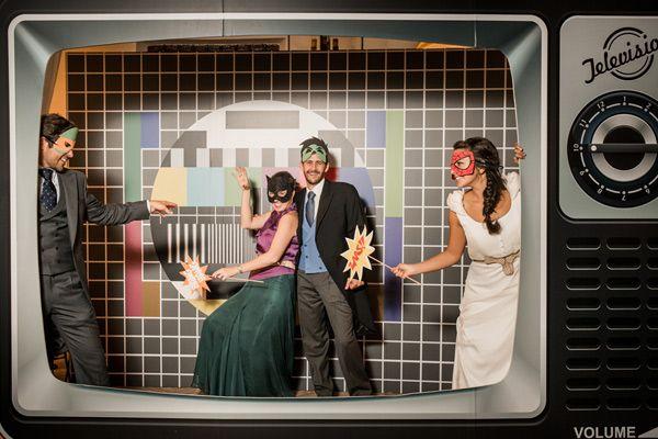 Photocall de tv ideas originales de boda pinterest for Fotocol de bodas