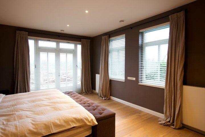 Slaapkamer-met-linnen-gordijnen-naturel-en-shutters2.jpg (720×480 ...