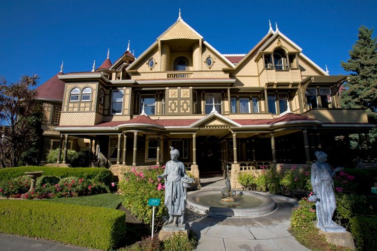 The Winchester Mystery House Is fering Free Virtual Tours and We re Shaking