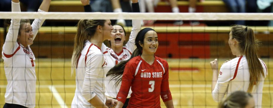 Ohiostatebuckeyes Com Buckeyes Knock Off No 1 Huskers In Lincoln The Ohio State University Official Athletic Site Women Volleyball Volleyball News Buckeyes