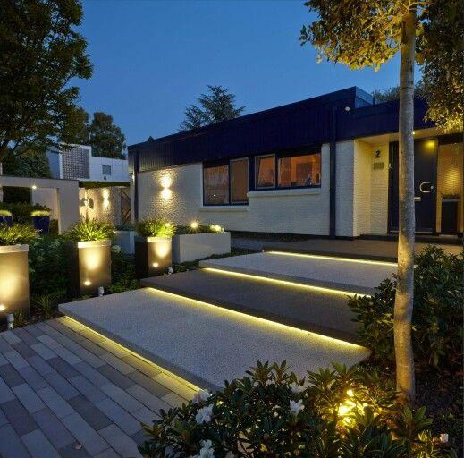 treppen vorgarten eingang hauseingang beleuchtung haus sch ne vorg rten pinterest. Black Bedroom Furniture Sets. Home Design Ideas