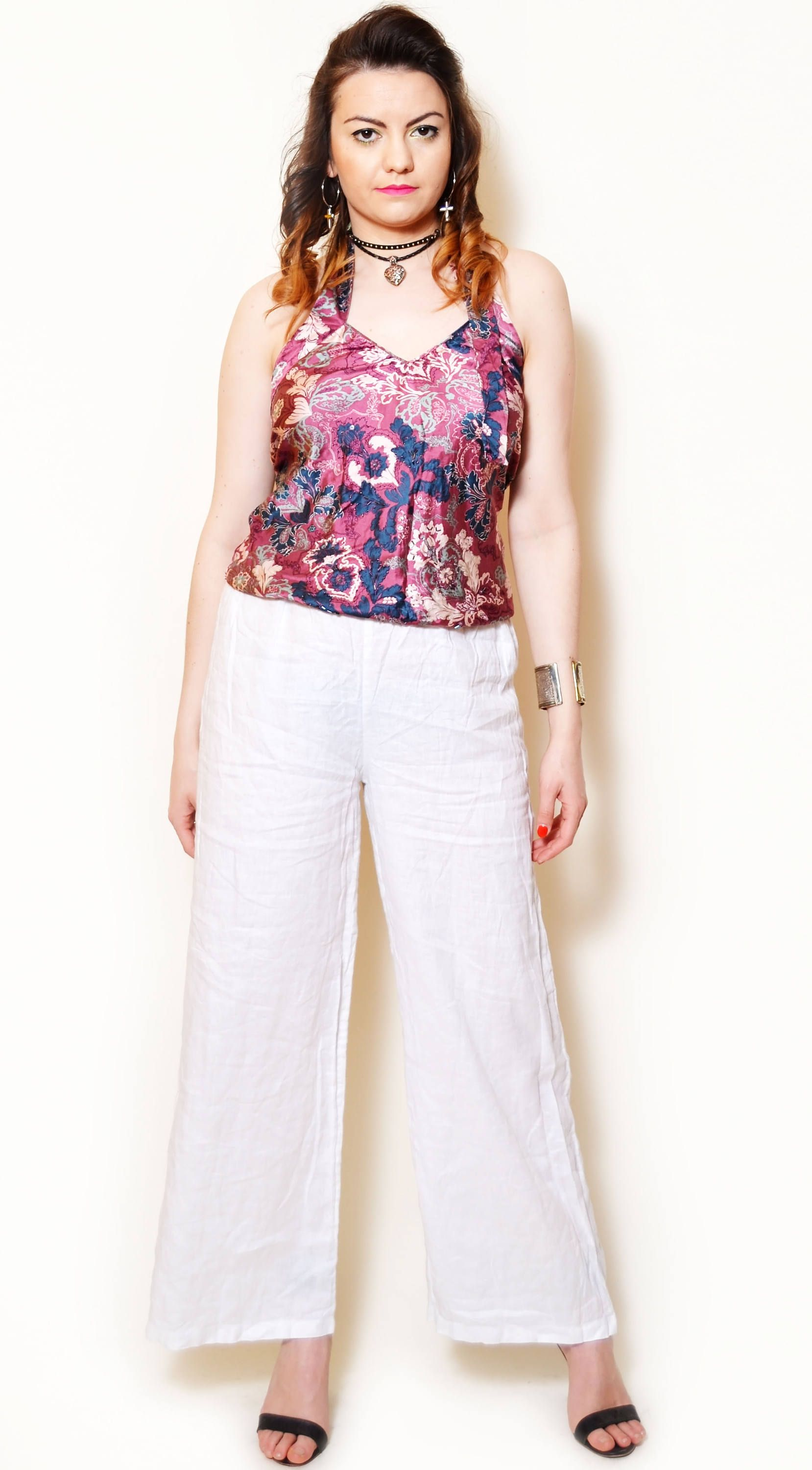 12156293c95 Vintage beautiful flower pattern silk halter top. The model on the pictures  is size S