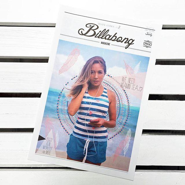 """前回大好評だった """"Billabong Magazine"""" の Vol.2が登場!  ハワイにて撮影され たモデル@alyssawootenが着こなす最新 #BillabongActive Wear などがお楽しみ頂けます。  全国の Billabong Store や OSHMANS などにて配布中。数に限りがありますので気になる方はお早めに!  近隣の配布店舗を知 りたい方はお気軽にメッセージ下さい。"""
