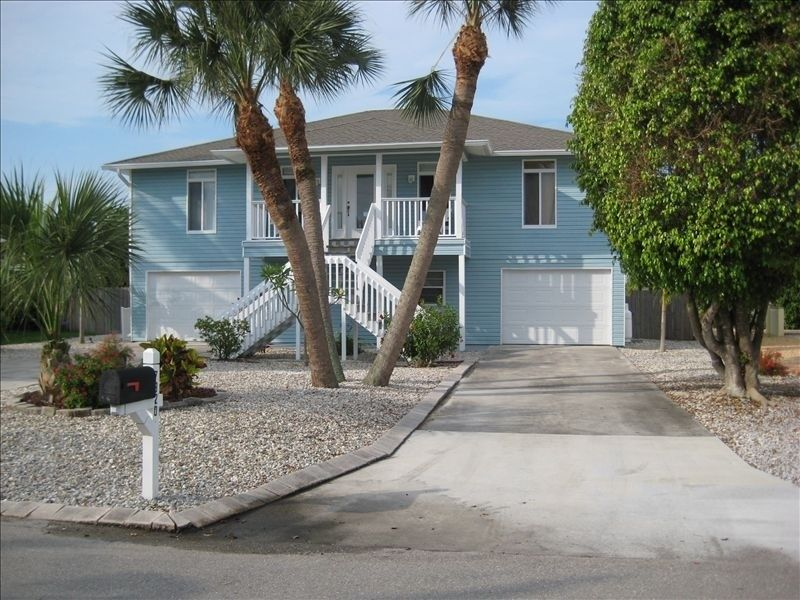 House Vacation Rental In Fort Myers Beach From Vrbo Com Vacation Rental Travel Vrbo Family Beach Vacation Beach Vacation Rentals Vacation Rental