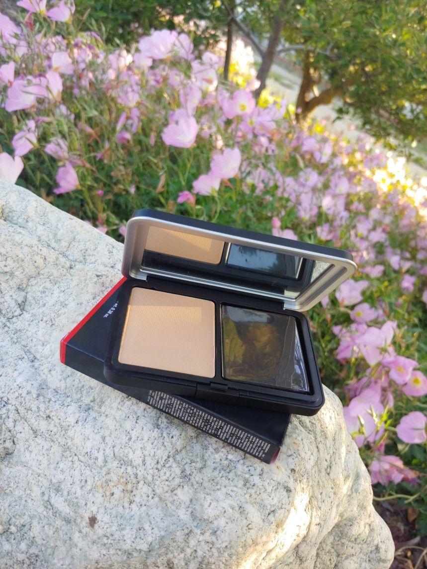 Makeup Forever Matte Velvet Skin Blurring Foundation