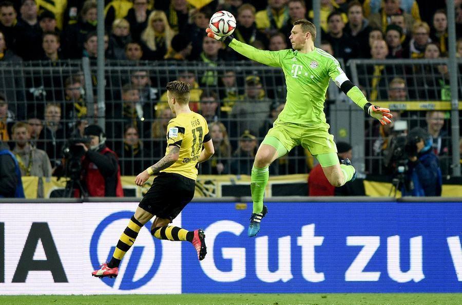 Die Bilder Zur Begegnung Bvb Gegen Bayern Munchen 27 Spieltag Basketball Court Sports Wrestling