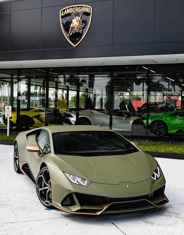 #audi #cars #car #luxurycar #Lamborghini #Bentley #rollroyce #gwagon #wagon #carinterior #carexterior #interior #exterior #celebrity #celebritycars #expensive #expensivecar #Mercedes #Porsche