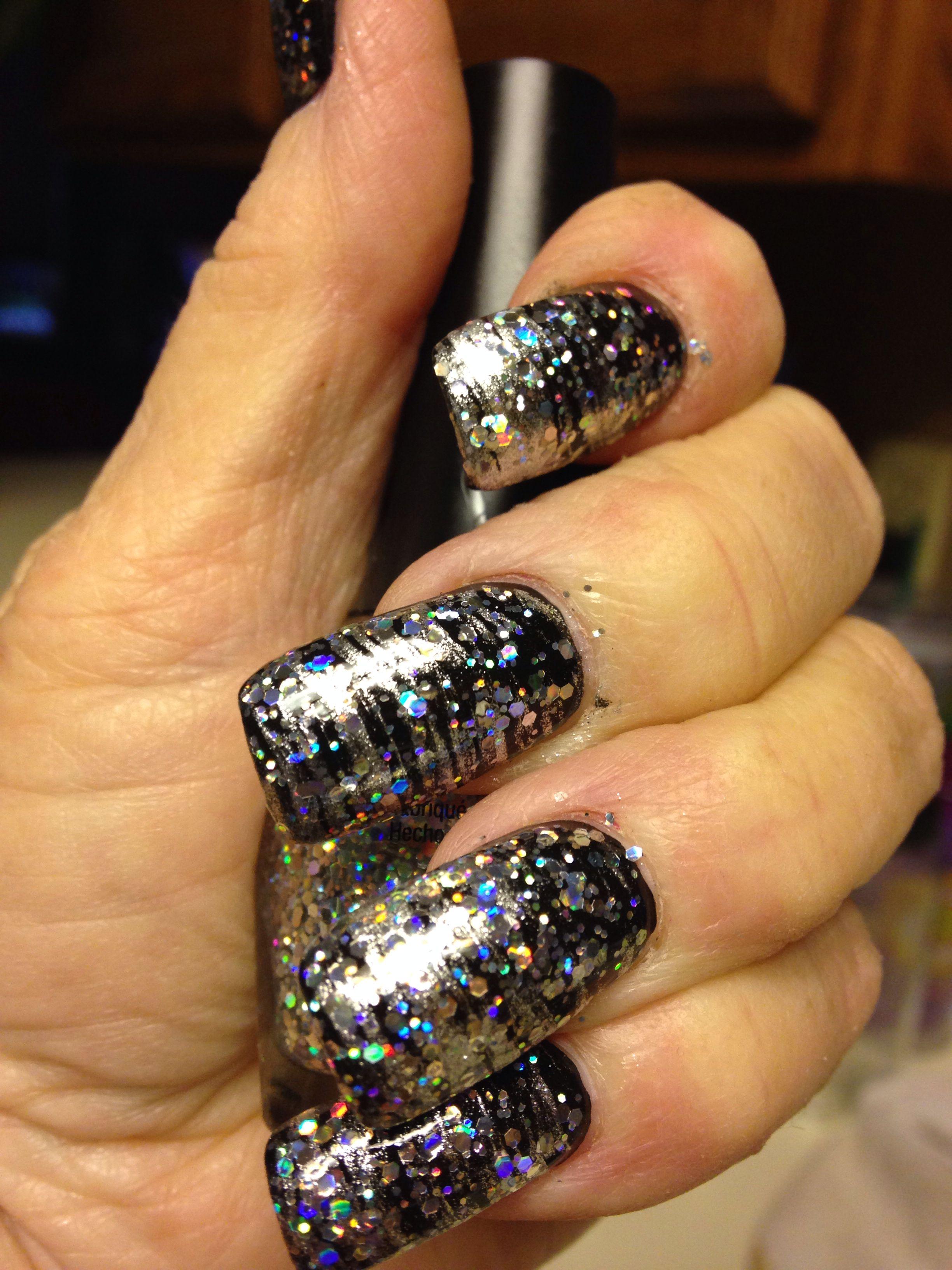 My Christmas/New Years Nails | nails | Pinterest | Bella nails ...