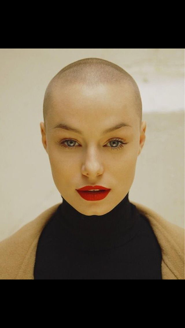 Pin By Pame Garcia Carmona On Pictures Bald Head Girl Bald Head Women Bald Girl