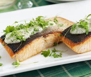 Fresh salmon fillets with hot tartare sauce recipe for How to make tartar sauce for fish fillet