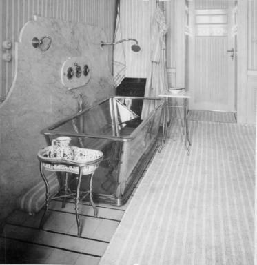 Osterreichische Nationalbibliothek Glasbadewanne In Der Wohnung Von Otto Wagner 1898 99 Jugendstil Architektur Wohnung Jugendstil