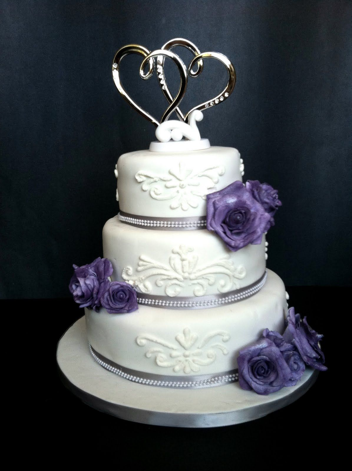 fondant wedding cake decorating ideas | tier cake covered in ...