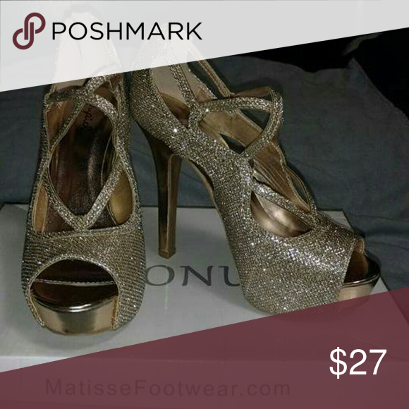 BNWOB !!!Smimmer Gold +Silver Tones Qupid Smimmer Gold +Silver Tones Qupid Shoes Heels