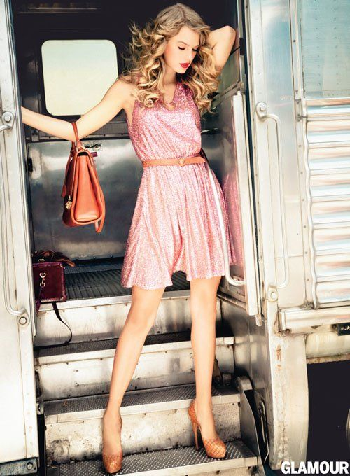 Love the sequin dress. / Taylor Swift, Glamour, 2012. Dress: Erin by Erin Fetherson