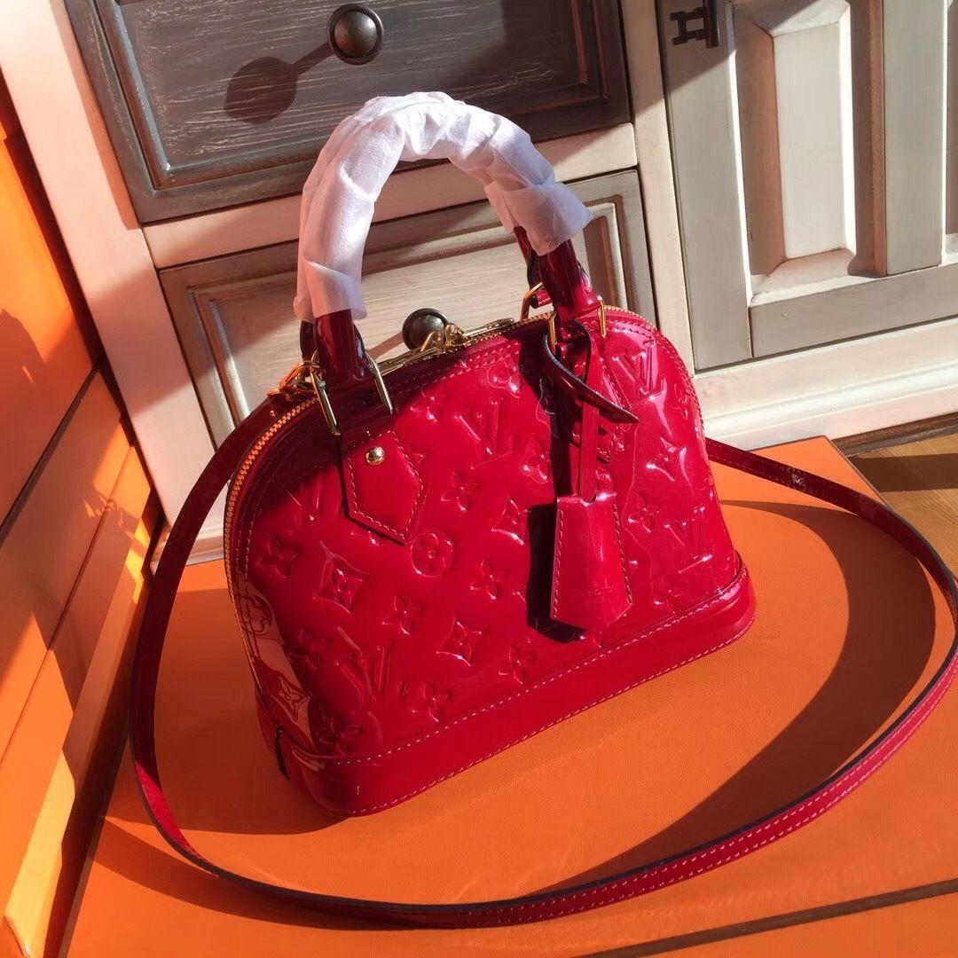 Louis Vuitton Alma Bb Red Bella Vita Moda Lvbag Louis Vuitton Lvlover Lvamlabb Lvaddict Lvforsale Baglover Bagforsale