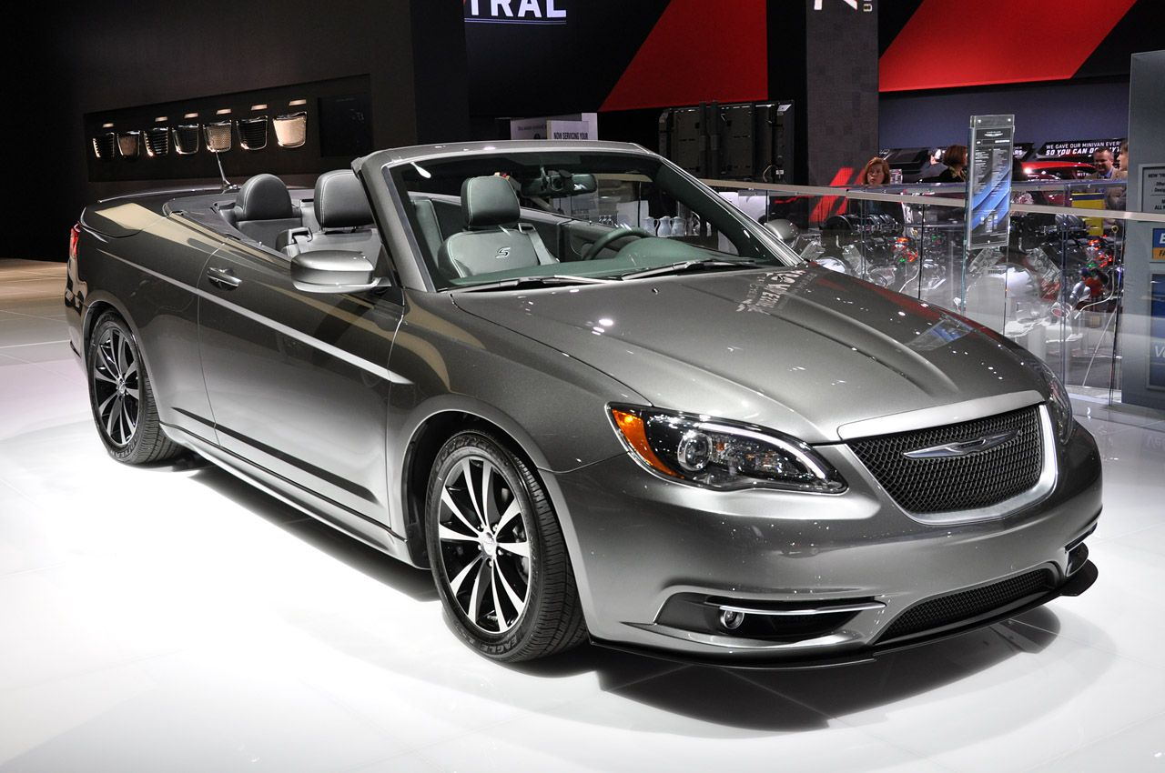 Here s a nice shot of the 2011 chrysler 200 s convertible