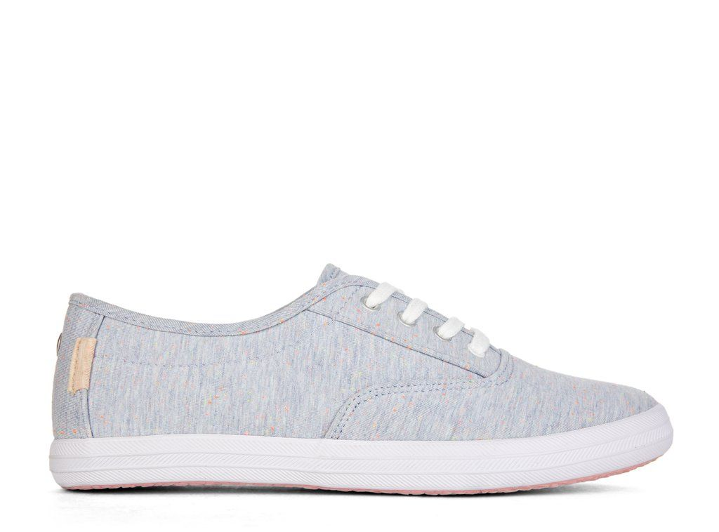 Chaussures lacées de type « sneakers » style Converse ou ...