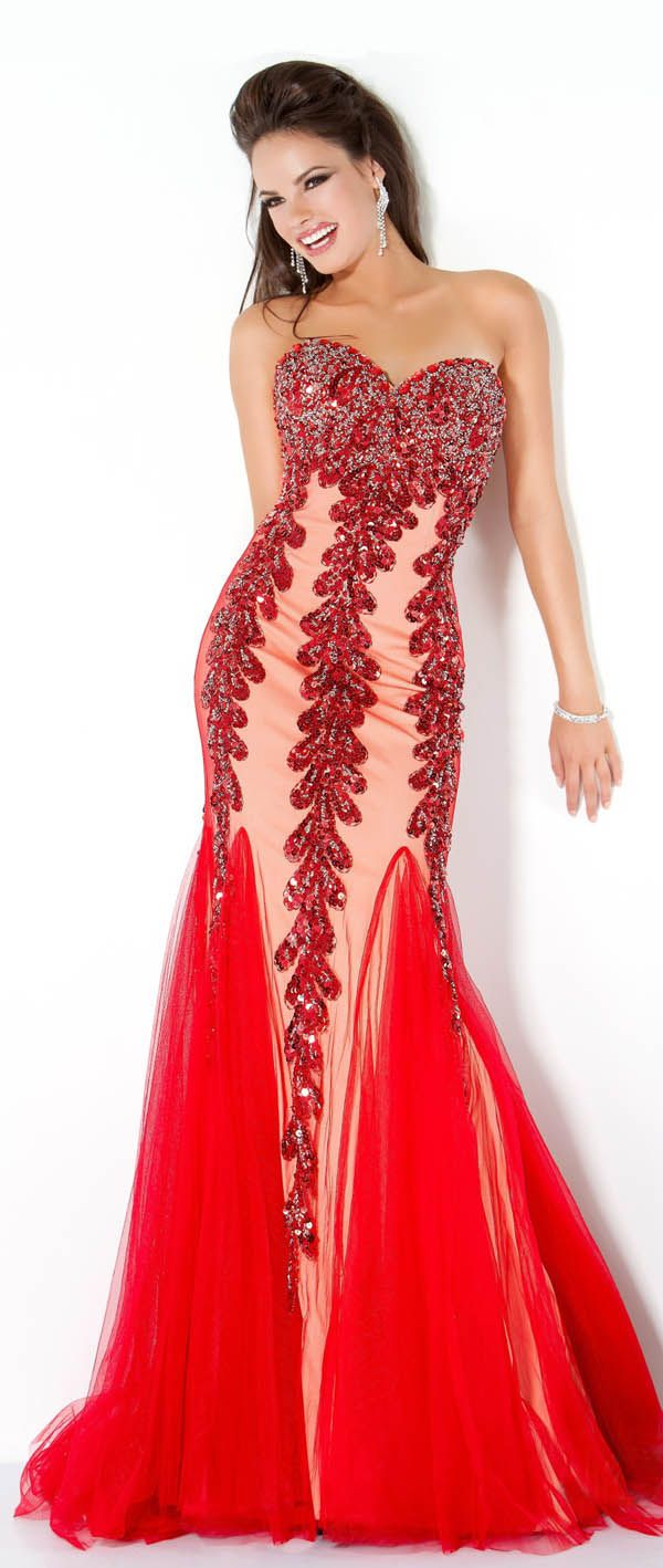 I love dresses this one is one of my fav i think it is elegant and