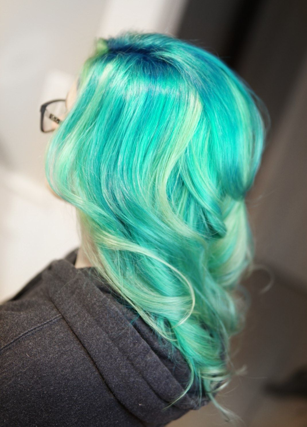 Pulpriot pastel neons vibrant even on the finest hair