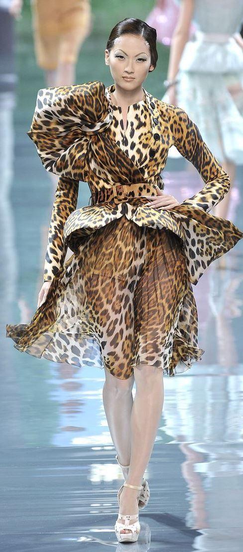 069900b7aab4c2 Du Juan at Christian Dior Haute Couture F/W 2008 | L'instinct Animal ...