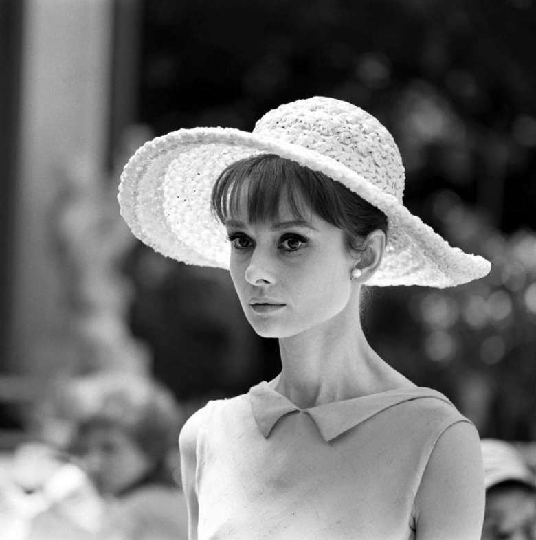 ampia selezione primo sguardo codici promozionali Audrey Hepburn con un bel cappello | Just Audrey...! in 2019 ...