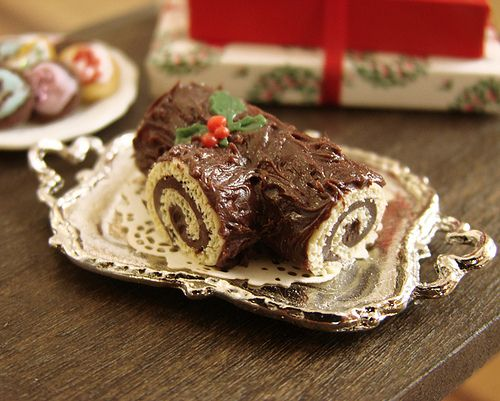 Christmas in Miniature - Buche de Noel