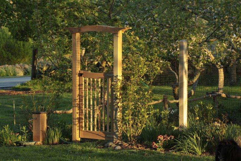 Download How To Build A Garden Arbor With Gate Plans DIY Build King Bed  Frame Plans