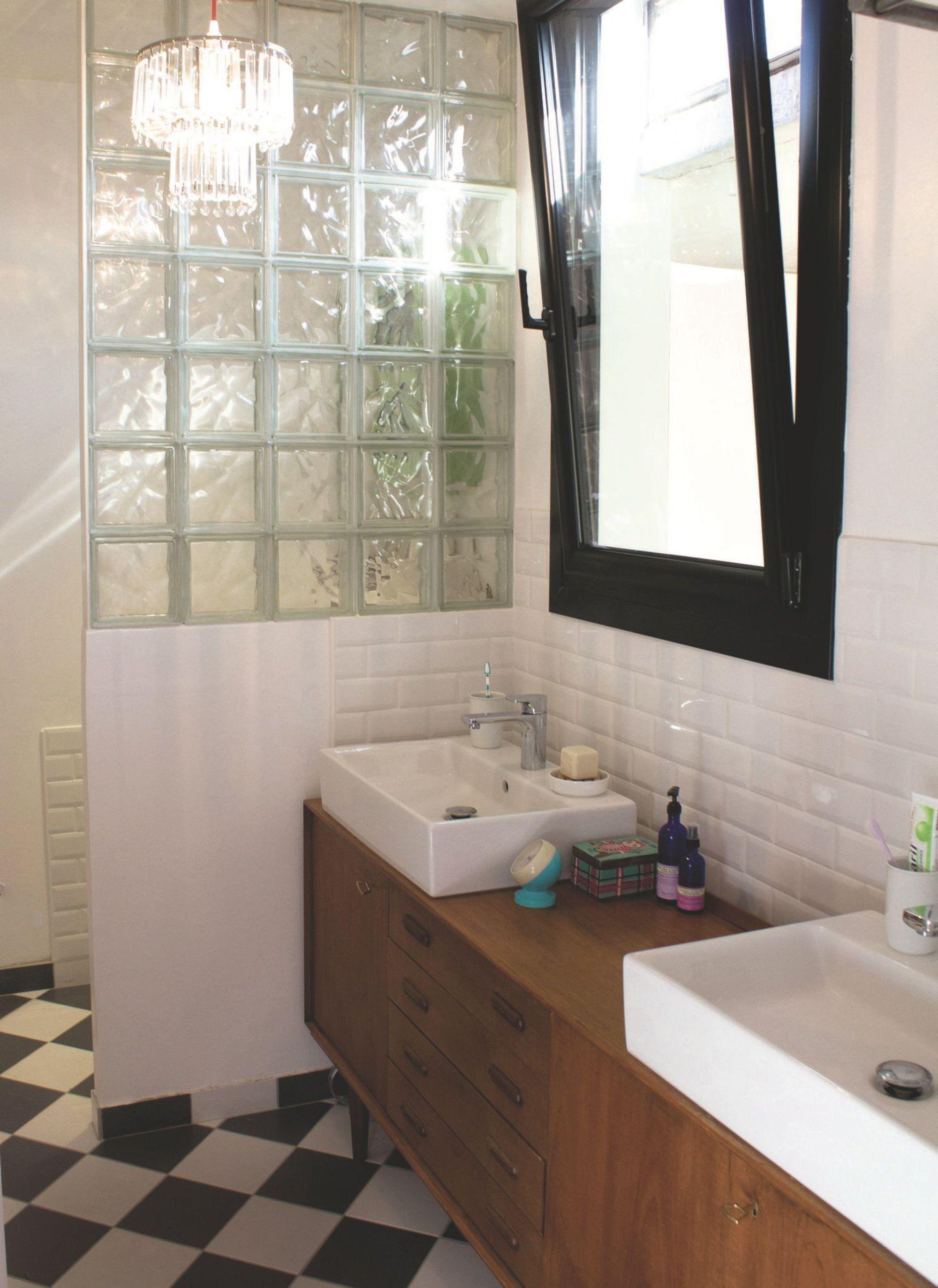 Decorer Sa Salle De Bain Soi Meme diy meuble de salle de bains : 3 idées pour un relooking