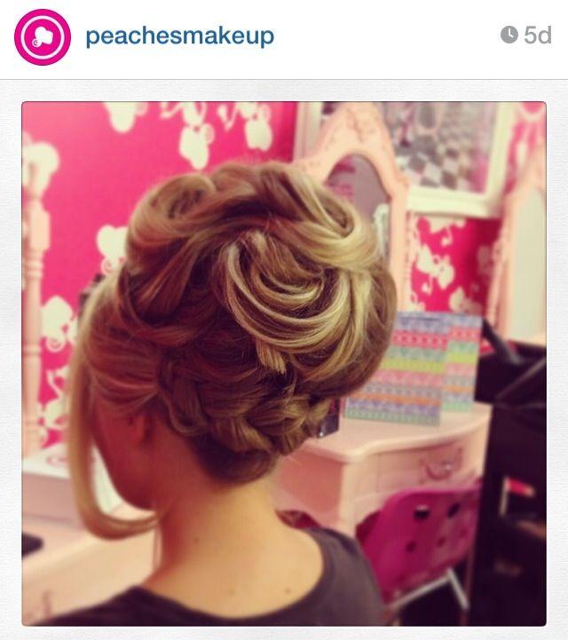 Plaited bun | Plaited bun, Plaits, Hair styles