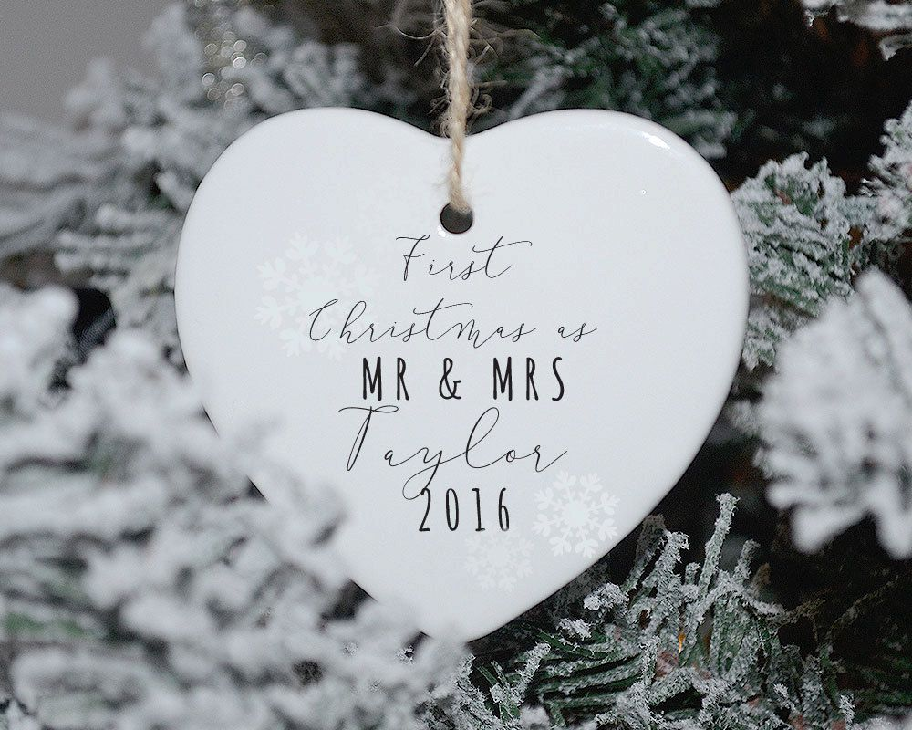 Kersthanger First Christmas as Mr and Mrs (met