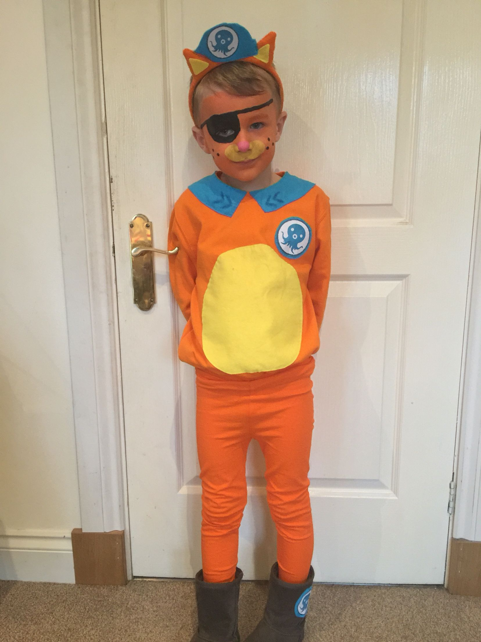 Homemade Octonauts costume Kwazzi | Oktogonen und Basteln ...