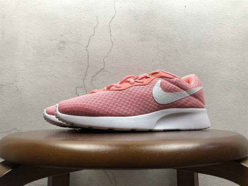 new concept f5932 17be0 Rosherun Young Big Boys Nike Tanjun Pink White 812655 600