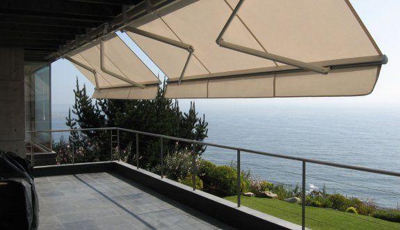 los toldos con brazos son ideales para terrazas balcones y comedores al