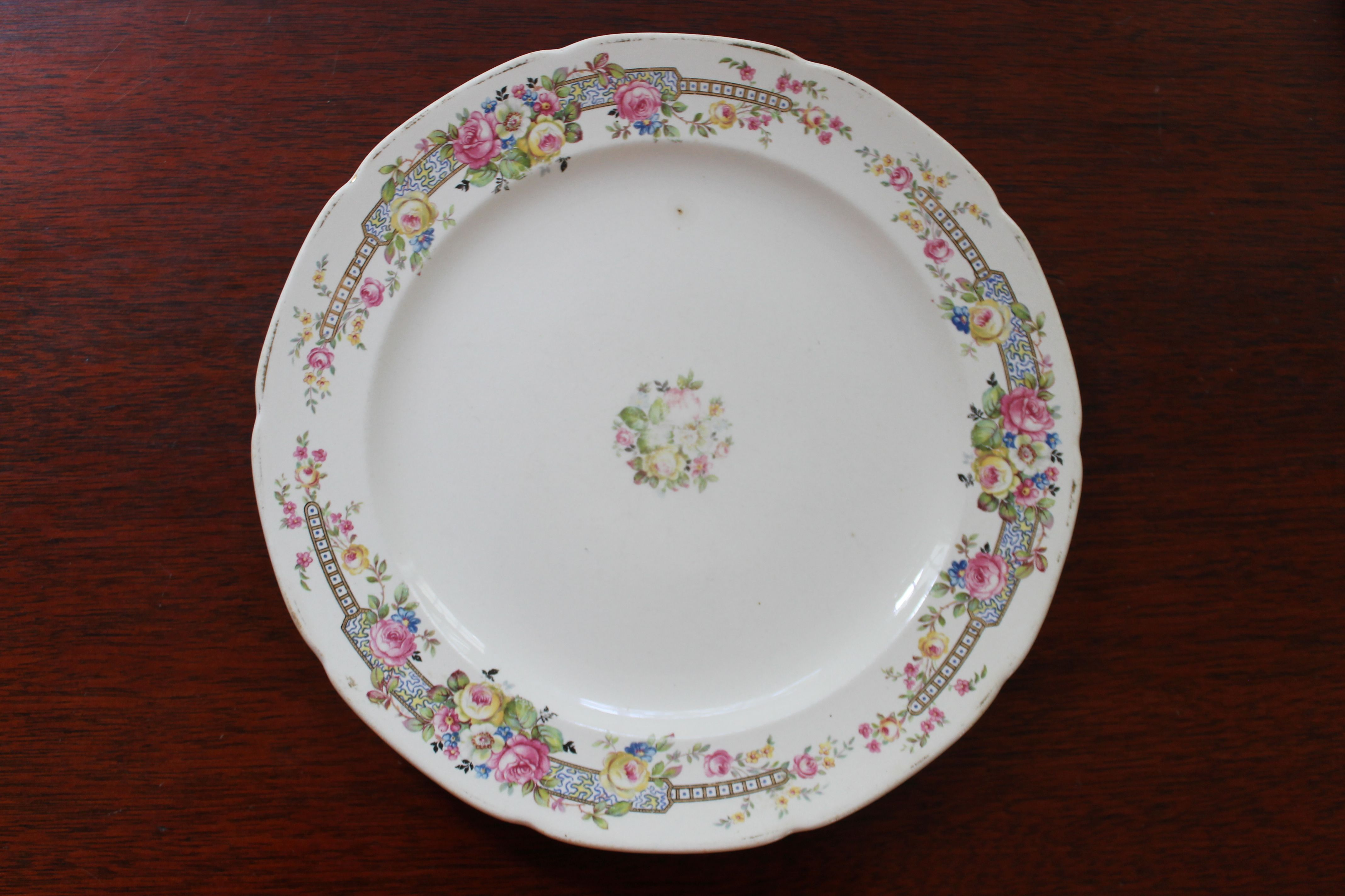 Crooksville China Floral Center And Border 9 Dinner Plate Only 1 Plate Available Southern Vintage Classic China Collect Dinner Plates Plates China Patterns