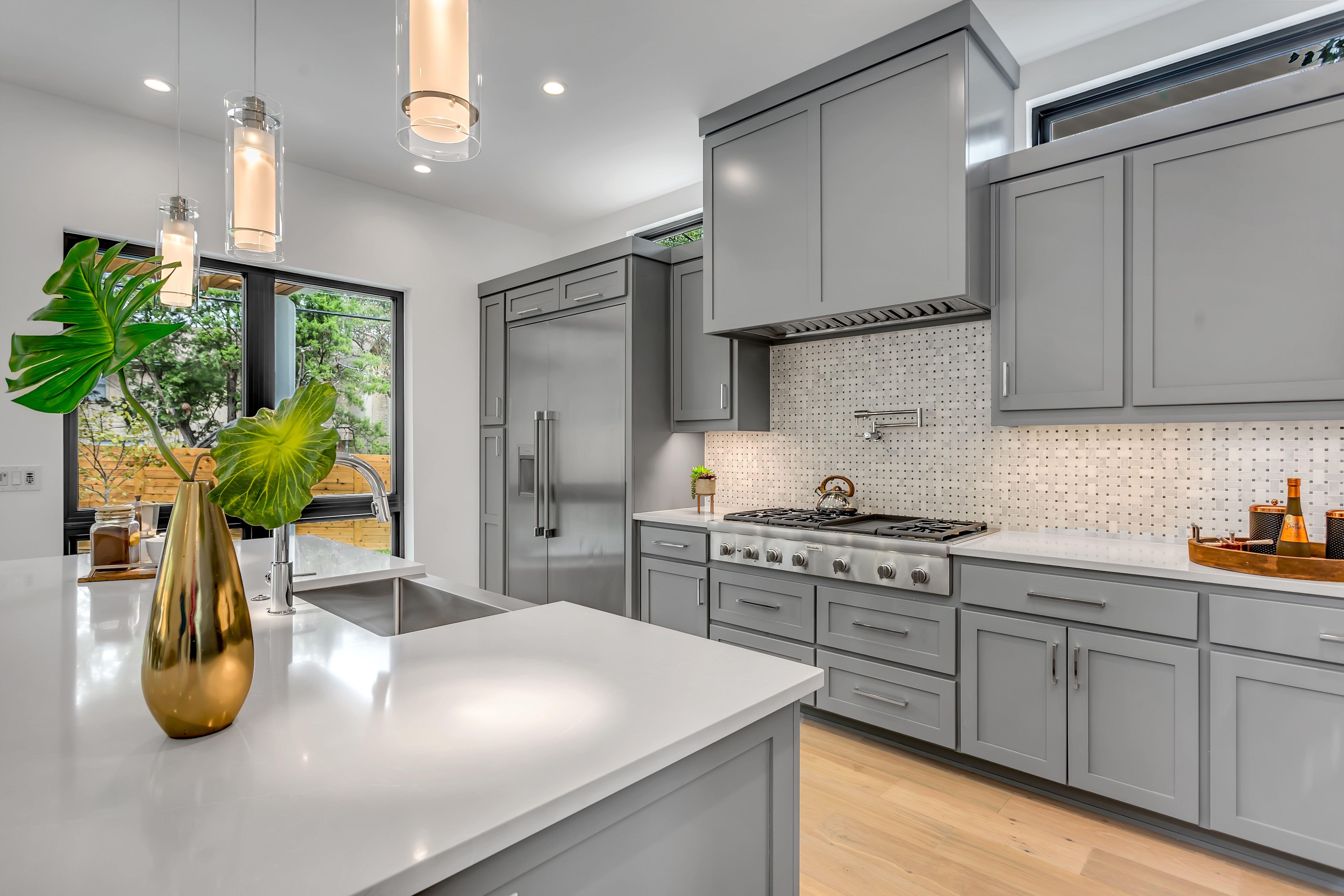 Granite Countertop Renewal In Tulsa Ok Jeff S Chem Dry In 2020 Best Kitchen Cabinets Kitchen Renovation Kitchen Interior