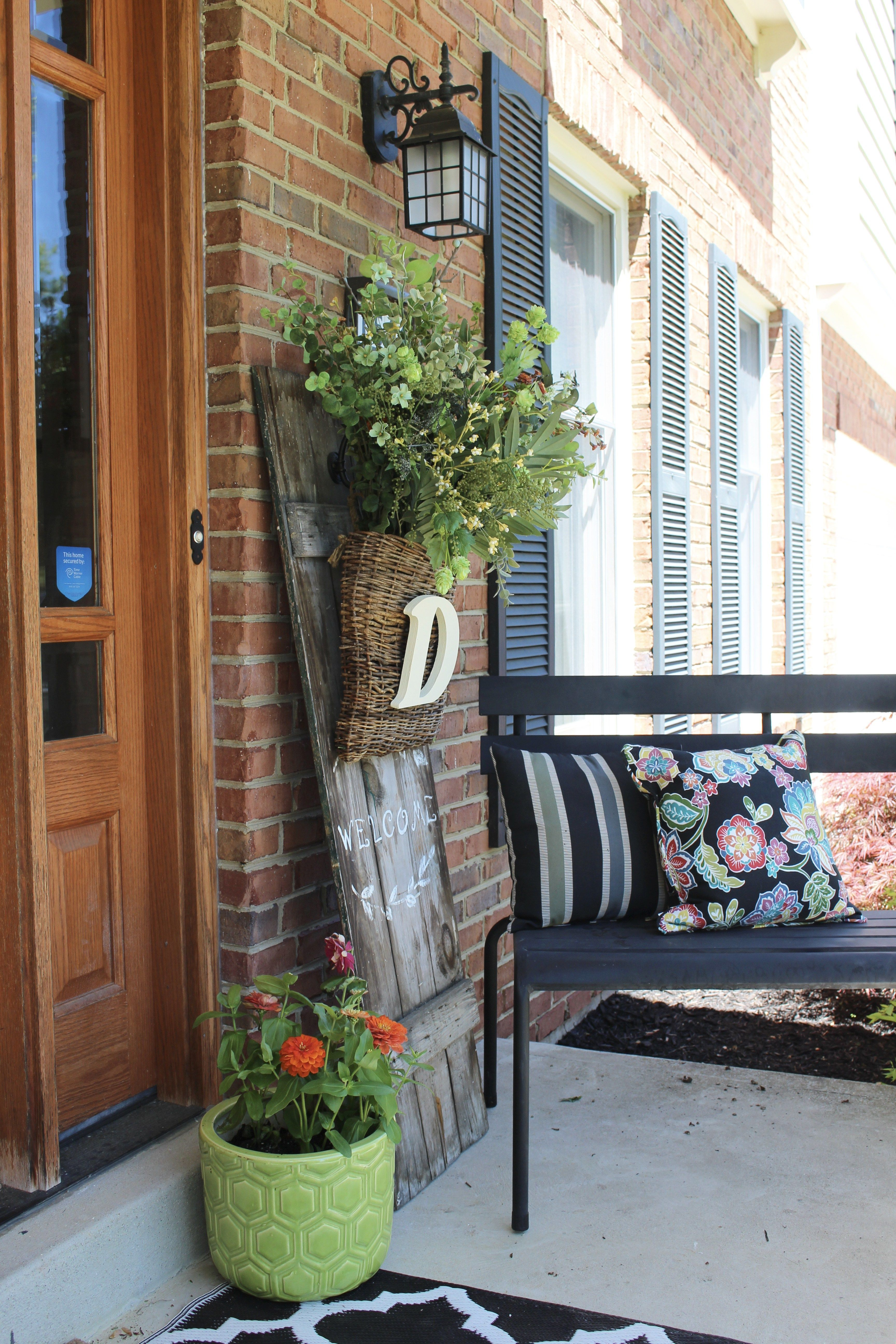 Home decor plants ideas  Spring Porch Decorating for Spring Outdoors Flowers Gardening