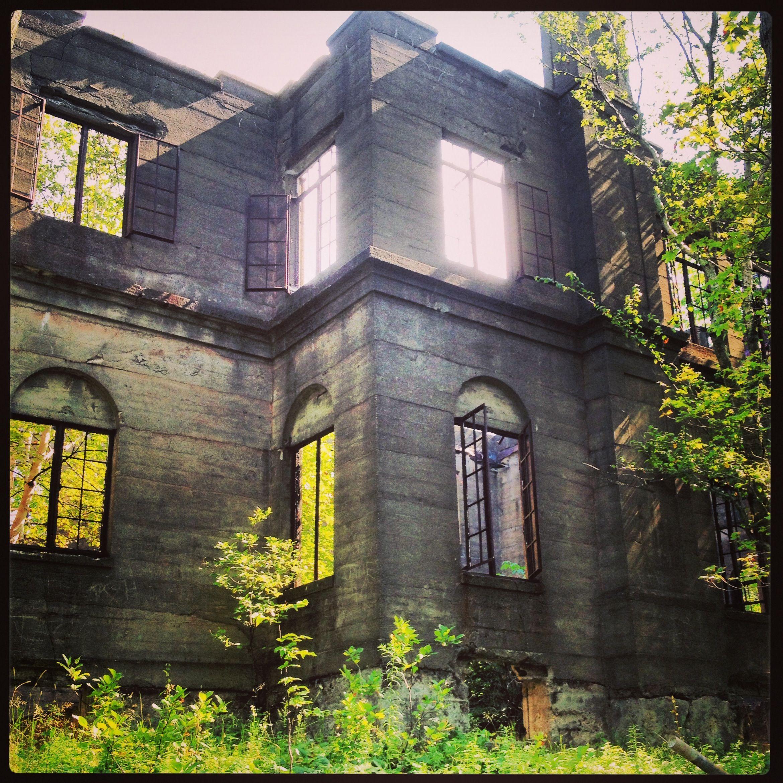 Abandoned Hotel, Woodstock NY