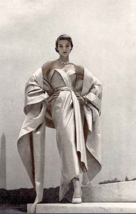 The Fashions of Christian Dior 1947-1957 - The Vintage Inn #vintagefashion