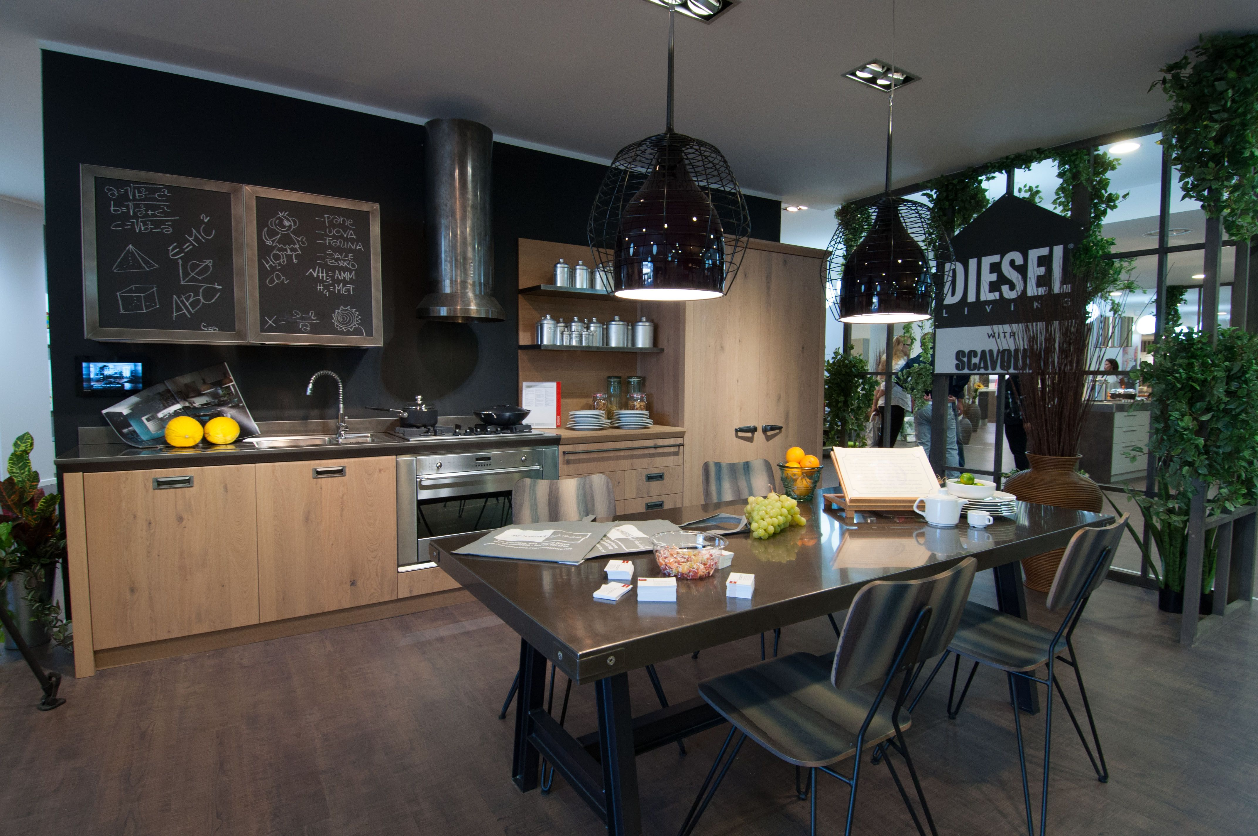 Che ne pensate di questa Diesel Social Kitchen? Per vedere la cucina ...