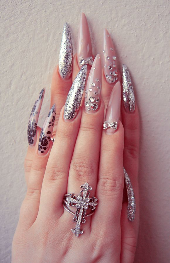 Incredibly long nails but I think they are beautiful! | BLΛCK SΛLIVΛ ...